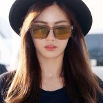 Nana Wears Triple Point Sunglasses at Airport